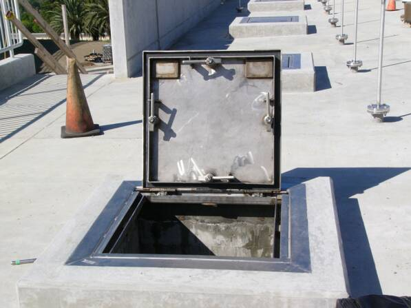 WATERTIGHT GASTIGHT HATCH